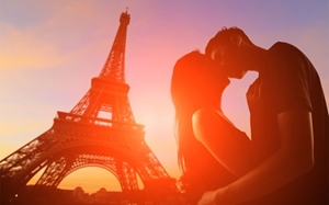 Paris ngày mùa màu nắng